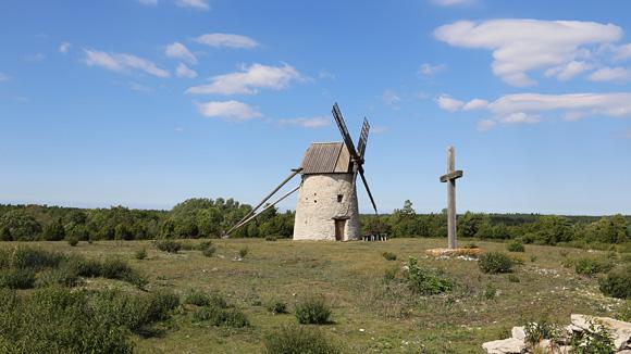 Pilegrimsbesøk på de hundre kirkenes ø
